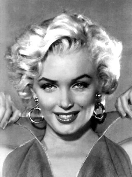 "( 2015...2016 IN MEMORY OF ★ † MARILYN MONROE ) ★ † Norma Jeane Mortenson - Tuesday, June 01, 1926 - 5' 5½"" 118 lbs 35-22-35 - Los Angeles, California, USA (aged of 36) Died: Sunday, August 05, 1962, Brentwood, Los Angeles, California, USA. Cause of death; (accidental prescription drug overdose)."