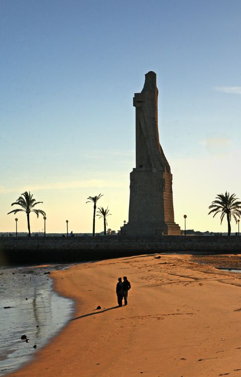 Estatua de Colon, Huelva, Spain