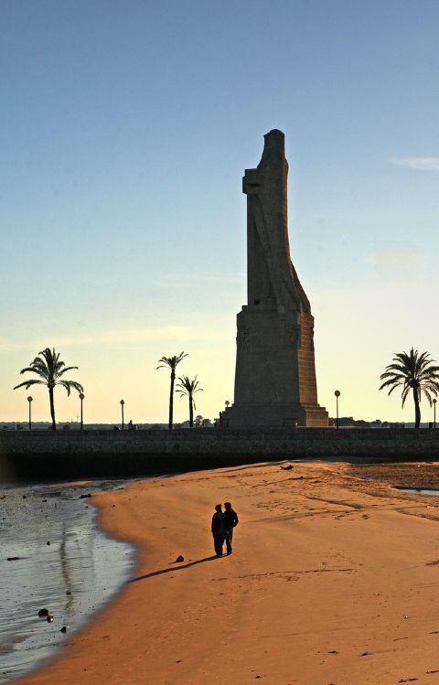 Estatua de Colon, Huelva, Spain