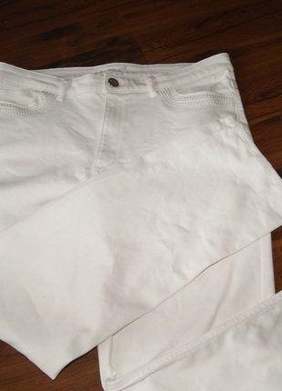 Kup mój przedmiot na #vintedpl http://www.vinted.pl/damska-odziez/chinosy/15654852-spodnie-biale-basic-r1644