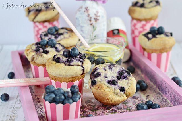 Koskacukor: Áfonyás-túrós kelt muffin #muffin #kelttészta #édeskelt #muffinsütő #tönkölybúzaliszt #tkliszt #dió #tej #vaj #tojás #túró #áfonya #gyümölcs #vaníliáscukor #citrom #koskacukor #tojásmentesislehetne #kevészsír (+ #szeder #alma #fahéj #meggy)