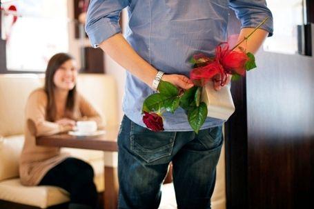 Pengen banget yaa kencan di kafe terus dikasih bunga mawar merah sama pacar:) Itu bener-bener impian gue banget! #PasanganSehati
