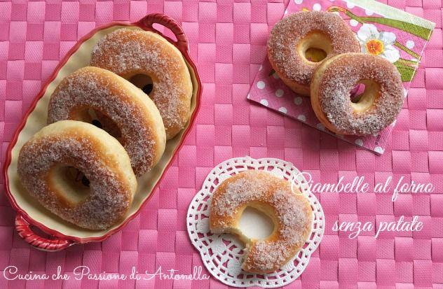 Ciambelle al forno senza patate soffici.. una ricetta semplice per una colazione o merenda gustosa. http://blog.giallozafferano.it/antonellaincucina/ciambelle-al-forno-senza-patate/