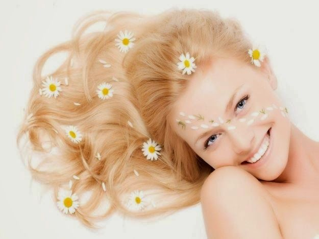 DIY SHAMPOO fatto in casa con fiori di camomilla/salvia: http://www.nonsprecare.it/shampoo-fai-da-te-camomilla-salvia-pane-raffermo-avanzato