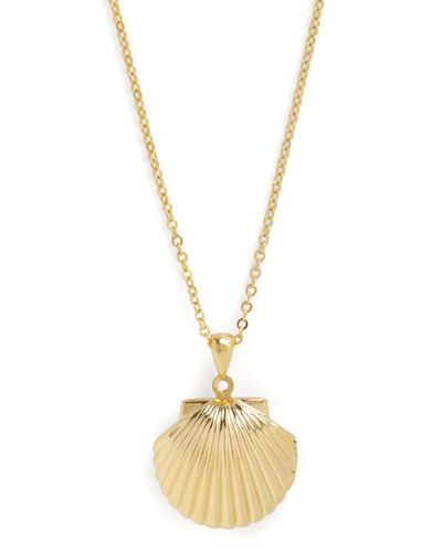 seashell necklace: Jewelry Necklaces Lockets, Seashells Necklaces, Sea Shells, Sea Necklaces, Seashell Necklace, Lockets Necklaces, Seashells Charms, Seashells Lockets, Keep You Close To Sea
