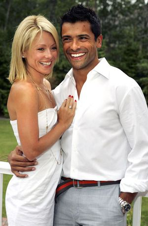 Kelly Ripa and Mark Consuelos.  He looks great in this pic! He's got the best accessory ever - a gorgeous wife!