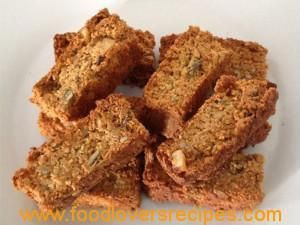 YUMMY MORNING BANTING RUSKS WITH ALMOND FLOUR