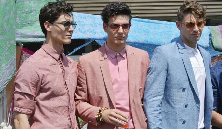 Need inspiration on how to work pink into your closet? Then take a look at our top ways to style suit and tie combinations with a pink shirt.
