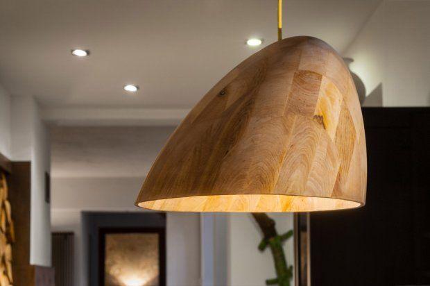 Lampa wisząca Bana, Abadoc Design, drewno, So Polish, cena: 1370 zł