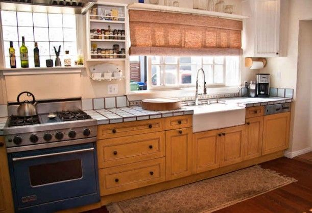 Because I Said So. I love this yellow kitchen.: Stove, Cabinets Colors, Movie Kitchens, Venice Kitchens, Venice Canal, Spices Cabinets, Yellow Cabinets, Yellow Kitchens, Venice House Kitchens