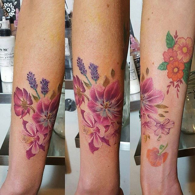 💐🌸🏵🌹🌺MERCI ESTEL🌻🌼🌷⚘🌸💐 @chez_meme_paris #chezmémétattoo #paristattooshop #paris #tattoos #tatouage #ink #flowers #fleurs #boheme #bohemetattoo #fleursdeschamps #couleur #feminin #printemps #bonheur #couleur