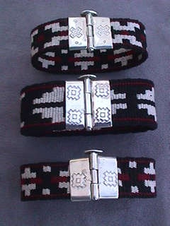 pulsera con fajas de telar mapuche