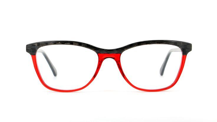 VANNI – Raster V1274-A912, Occhiale da vista donna in acetato, nero-argento/rosso trasparente Occhiale da vista donna in acetato  Colore: raster nero-argento/rosso trasparente  Dimensioni: 52-17|140mm  Made in Italy, for sure.   VANNI Raster   La collezione Raster, in acetato creato in esclusiva dal centro stile di VANNI, rimanda nella trama al fitto reticolo grafico che contiene le infinitesimali informazioni di un'immagine in formato numerico.  SulL'occhiale dallo stile ricercato, Raster…