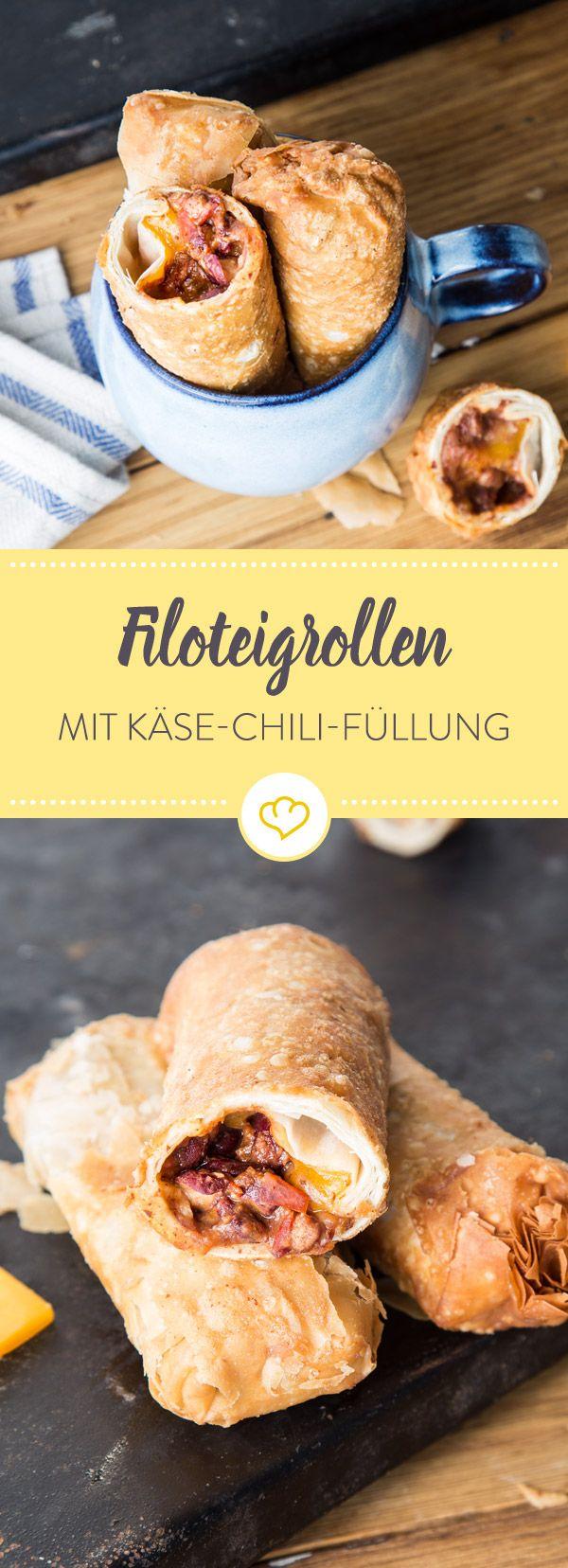 Hier wird der Filoteig mit Chili con Carne und Käse gefüllt und kommt dann in die Fritteuse. Das Ergebnis: Knuspriger Rollen die herrlich würzig schmecken.