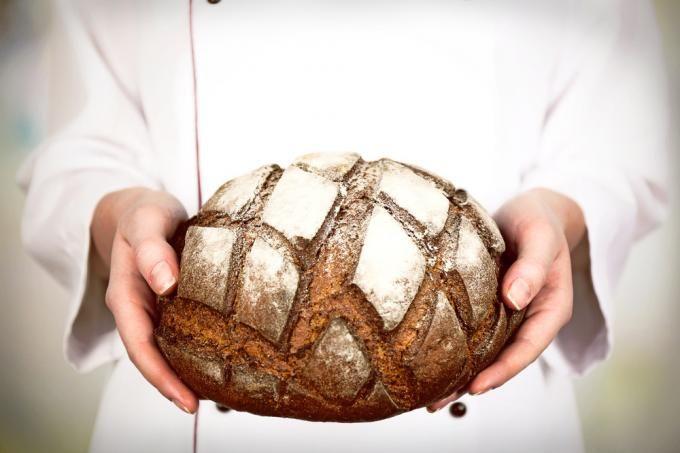 Przepis na pyszny, domowy chleb na zakwasie.