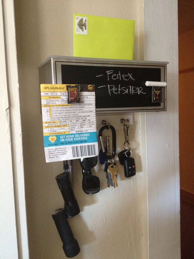 """IKEA Hackers: A """"Don't Forget"""" Mail Organizer: Diy Ideas, Tissue Boxes, Ikea Hacks, Clever Ideas, Ikea Hackers, Hack Mailbox, Diy Projects"""