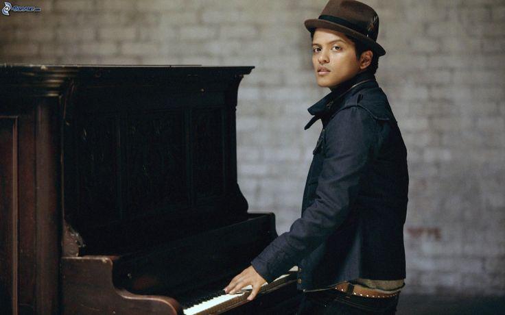 Resultado de imagen para SESION DE FOTO CON EL PIANO
