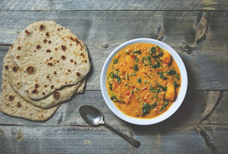 Zin In Eten: Rode linzen curry met spinazie en zoete aardappel + Naanbrood