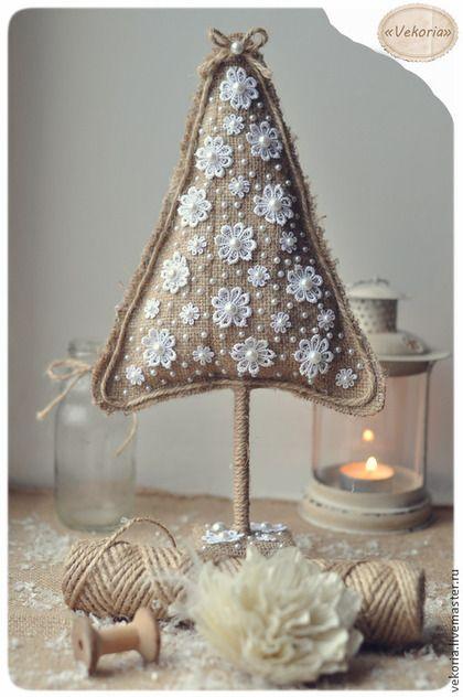 Ёлочка из мешковины и цветочков - бежевый,мешковина,Новый Год,новогодний декор