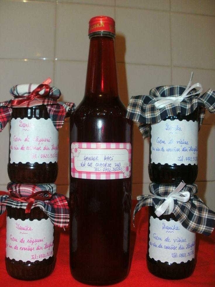 Vin de coacaze din Harghita, gem de capsuni cu putin vin de coacaze si gem de visine cu putin vin de coacaze...