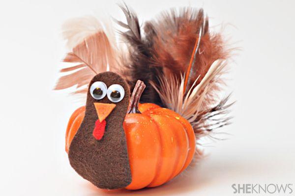 Mini pumpkin turkey craft for Thanksgiving ( I am making using Cutie oranges)