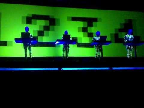 Kraftwerk - Numbers (3D show).