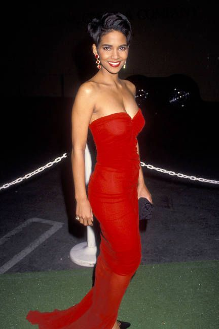 Halle Berry Style - Halle Berry Fashion Pictures - ELLE