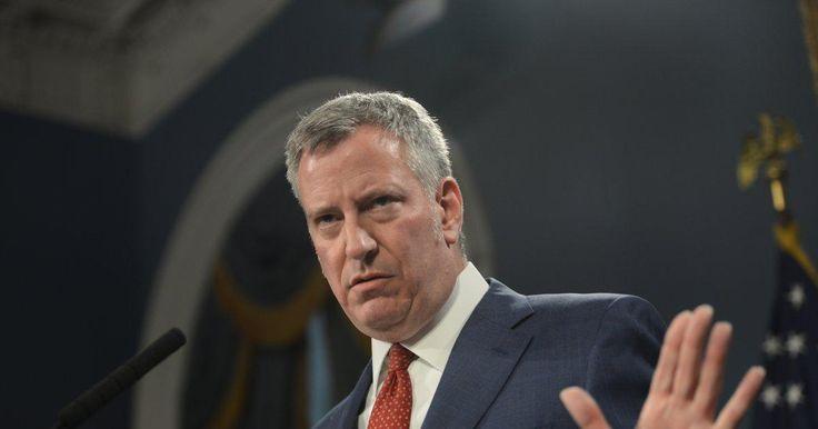 De Blasio: NYC staffers to block ICE agents from entering schools