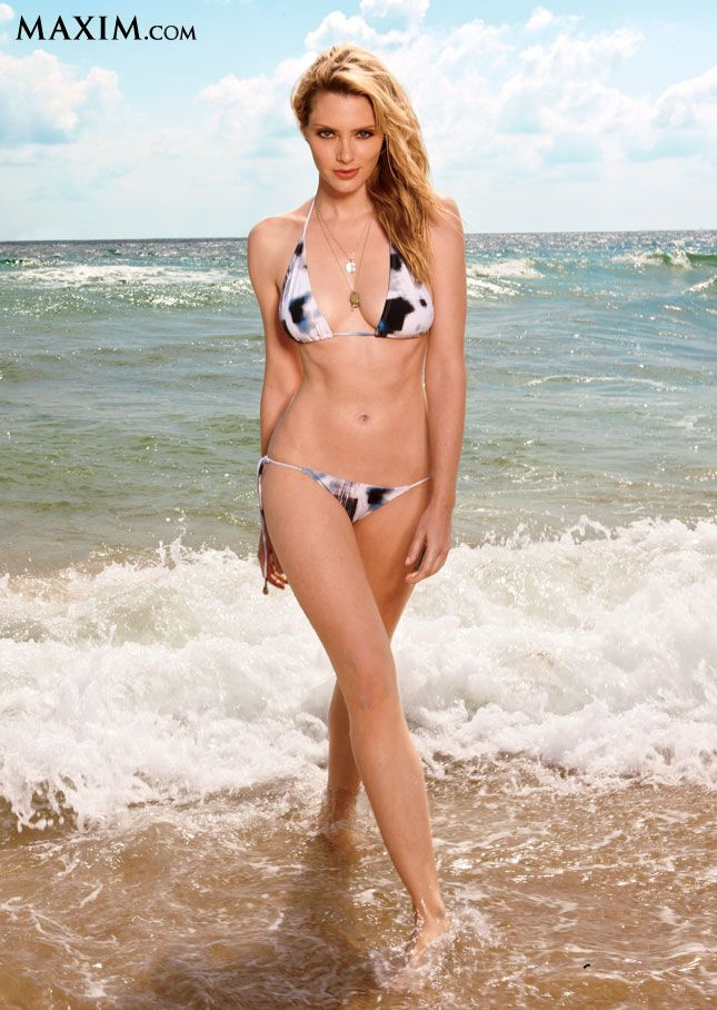 April Bowlby In A Black And White Bikini Walking On The -1750