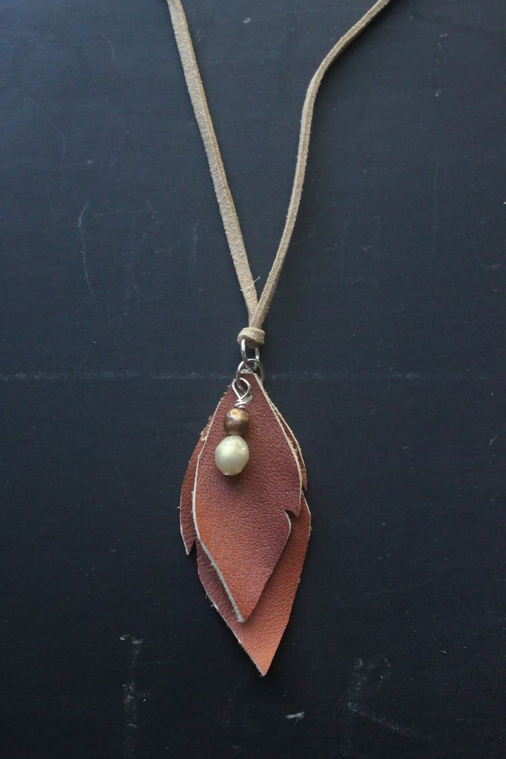 DIY: leather leaves necklace