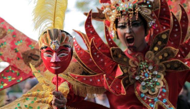 Warna warni Solo Batik Carnival 2014