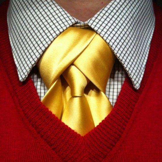 The Merovingian necktie knot in gold