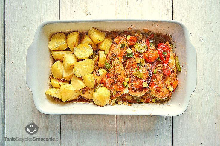 Szybki obiad z kurczaka, ziemniaków i mieszanki leczo