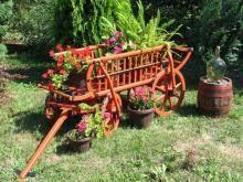 Ah! E se falando em madeira...: Carroça decorativa  projeto gratuito no blog