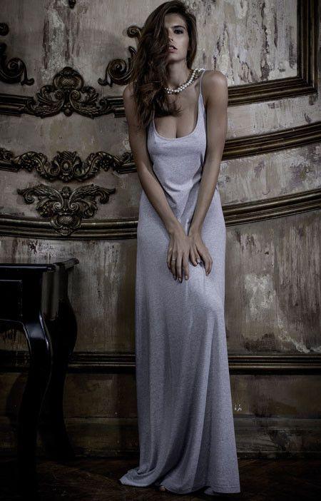 Длинное, струящееся платье Gray Dress из эластичного хлопка с открытой спиной разрабатывалось нами с тэгом #утреннийэффект. Не только потому что, надев его, вы произведете неизгладимое впечатление на человека, находящегося рядом с вами этим утром, но и на всех остальных людей, надень вы это платье на пляж, что, кстати, крайне рекомендуется делать, и как можно более регулярно!    Состав: 50% хлопок, 45% вискоза, 5% эластан Цвет: серый