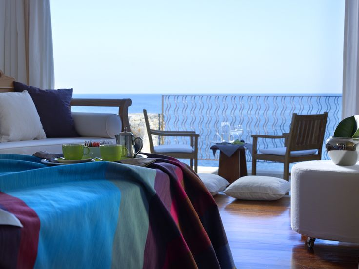 St Nicolas Bay Hotel is a small quality hotel in Agios Nikolaos, in superb east…