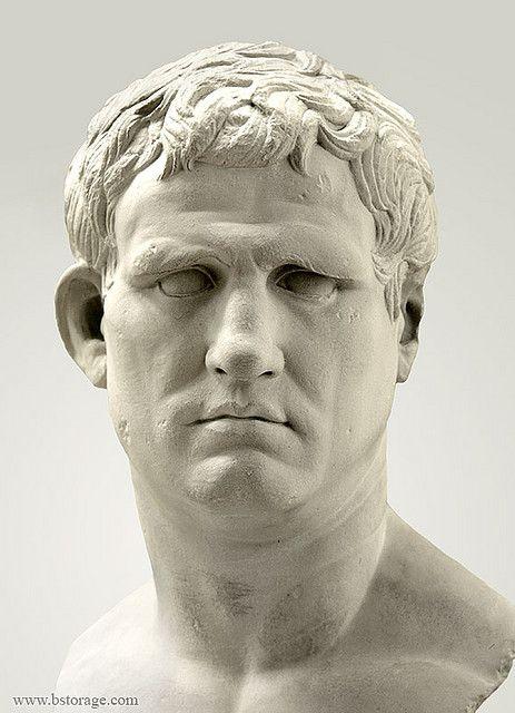 """""""Retrato del general Agrippa"""", sirvió primero a Julio César, y después a Augusto. Combatió a Marco Antonio y Cleopatra en la batalla de Actium. De él dijo Augusto: """"Yo empecé mi reinado con ladrillo y terminé con mármol""""."""