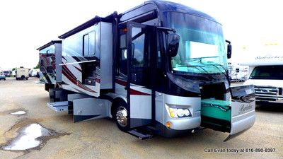 2014 berkshire 390bh 40 bunkhouse class a diesel pusher motorhome rv in rvs campers ebay. Black Bedroom Furniture Sets. Home Design Ideas