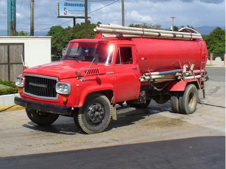 Nissan diesel tanker Old Nissan Diesel UD trucks