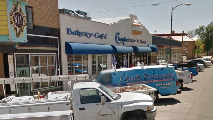 Best Burgers in New Mexico  (February 16, 2016)—If there's one thing that New Mexicans can agree on, it's that green chile cheeseburgers are amazing. Some of us will get out and huntthe best #GCCB (green chile cheeseburger) in New Mexico. We asked thousands ofNew Mexicans, far and wide, what their favorite hamburger joint was and here are the results. We
