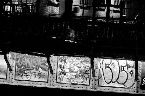 Andrew Zawacki/Benatti  Verona interior o corpo, as veias & Veneza dissolvida na memória velocidades permitidas pedidos desproporcionais uma bala o trem transpassa o gamão a bordo ou no metrô …