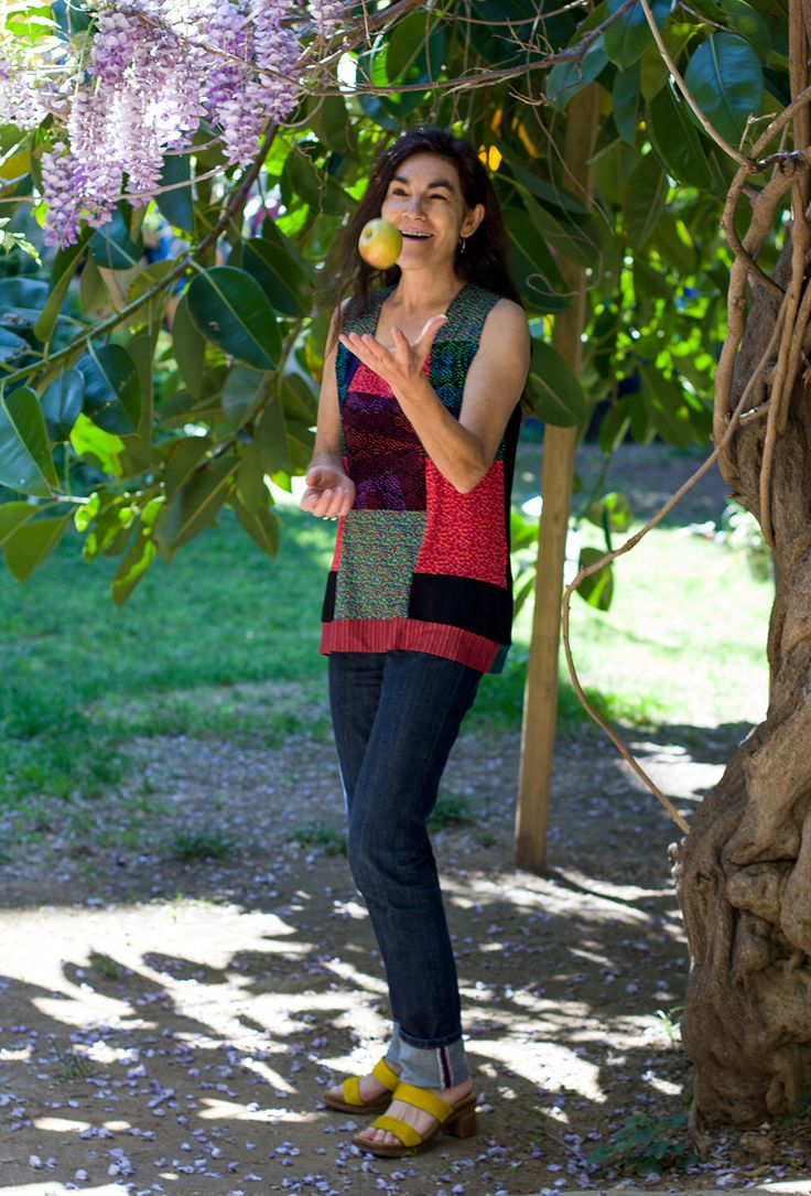 Camiseta patchwork con diversos estampados. - Instintobcn moda para mujeres.