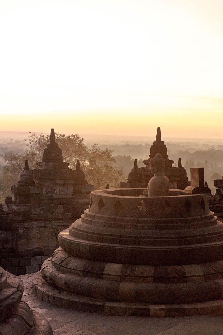 Learn about the top things you should do in Yogyakarta City, Indonesia, from Borobudur, Prambanan, Mount Merapi, Jomblang Cave, Batik making and more!