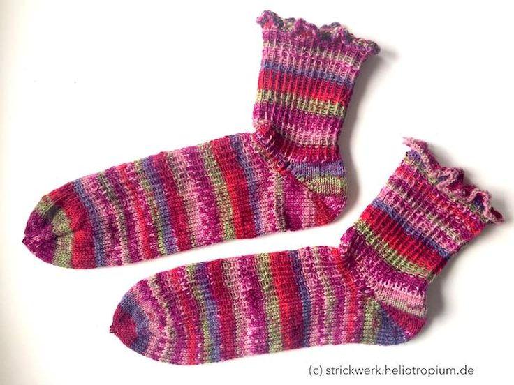 Rüschensocken aus 4-fädigem Sockengarn – kostenfreie Anleitung