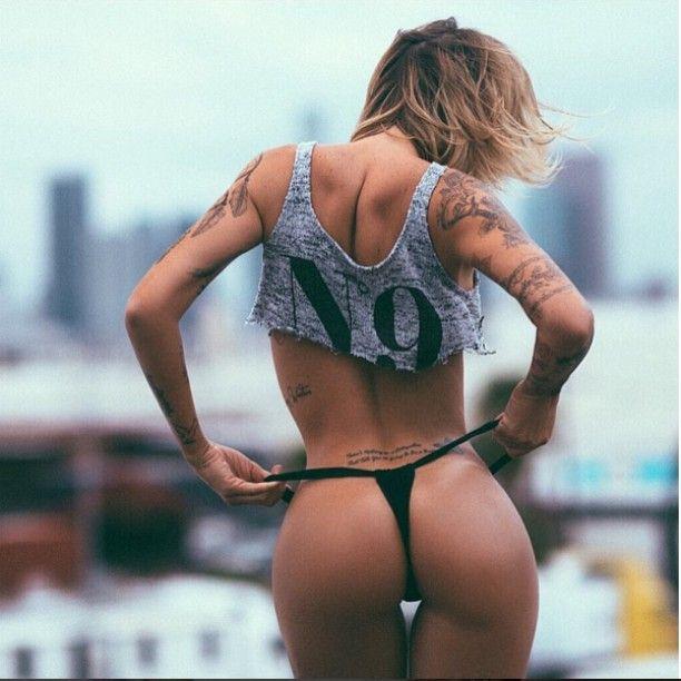 Banging booty. @rebelcircus #rebelcircus #girlswithtattoos #tattooedgirls #babeswithink #inkdolls #booty @miss_tina_louise