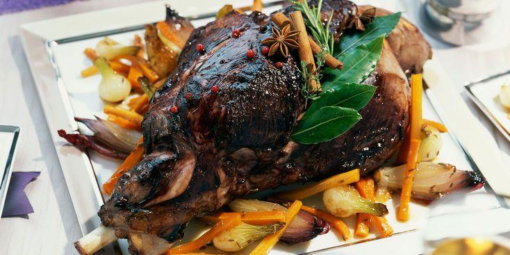 Cuissot de chevreuil de Noël aux épices douces et légumes confits