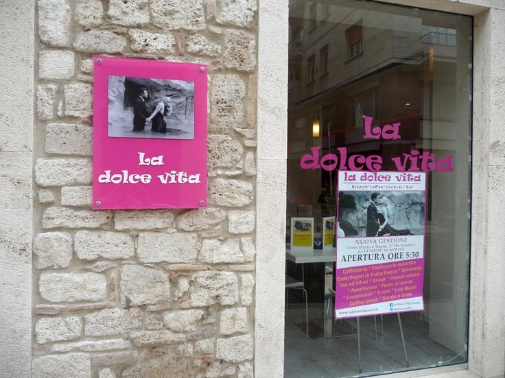 """""""La dolce vita"""" brunch, coffee, cocktail, bar - corso Trento e Trieste 27, Ascoli Piceno"""