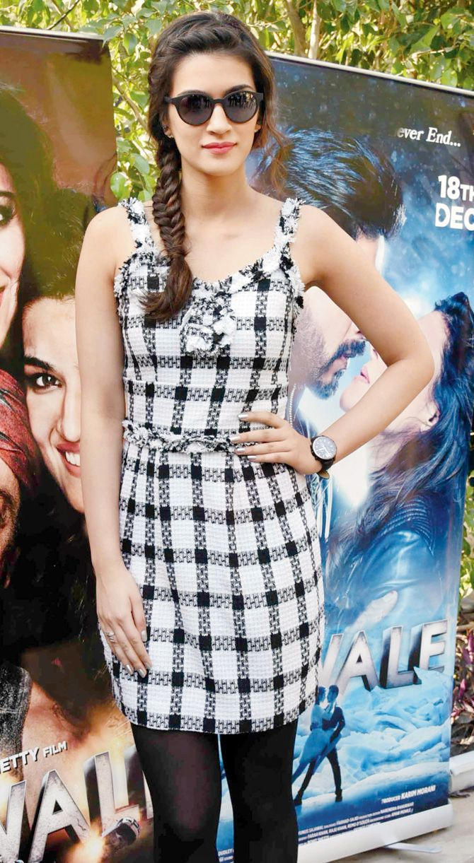 Kriti Sanon at #Dilwale's promo event.