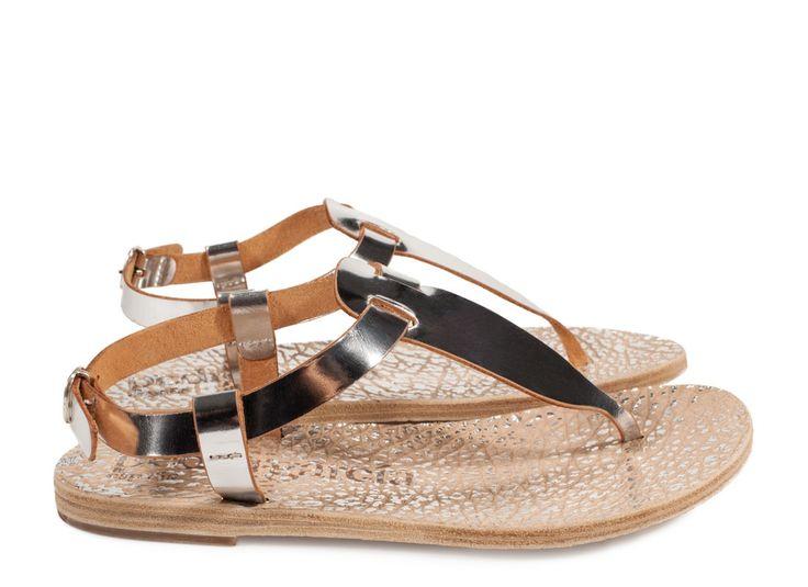 Pedro García style: Ianthe / metallic thong silver vacchetta I Pedro García shoes I Spring-Summer 2016 I Made in Spain