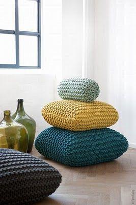 knitted seat pillows    Ferm Living : Déco Maille et Denim --- INSPIRATION